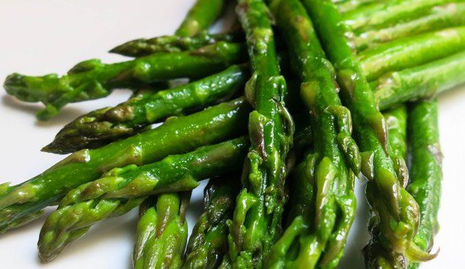 Špargla (asparagus)